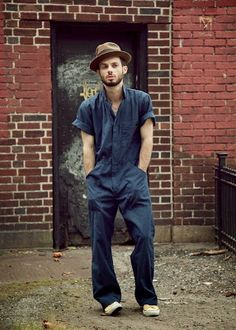 male pattern boldness: I'm Making Coveralls (or is it a jumpsuit? Hipster Grunge, Grunge Goth, Mens Coveralls, Ootd Men, Smart Casual, Men Casual, Street Style Vintage, Vintage Style, Mode Cool