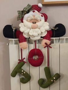Felt Christmas Decorations, Christmas Card Crafts, Christmas Drawing, Felt Christmas Ornaments, Christmas Projects, Christmas Art, Holiday Crafts, Christmas Wreaths, Holiday Decor
