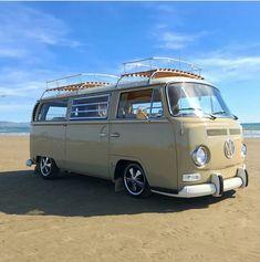 Vw Bus, Vw T2 Camper, Volkswagen Group, Combi Vw T2, Busse, Recreational Vehicles, Vintage Cars, Surfing, Adventure