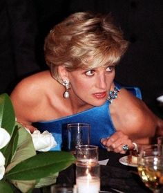 October 31, 1996: Diana, Princess of Wales converses during the Victor Chang Cardiac Research Institute fundraising dinner in Sydney, Australia.