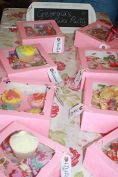 Cupcake Parties by OH MY Sugar Pie x  #cupcakes #party #girls #chefshat #apron #cute #partyideas