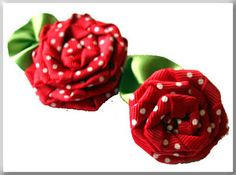 Twisted ribbon roses