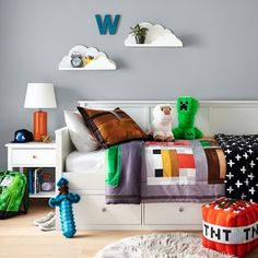 Minecraft Themed Bedroom from Target! This is the perfect design for any Minecraft fanatic. I know my kid would certainly love this bedroom. Target has some of the cutest bedroom decor for kids. #ad