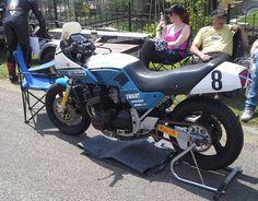 Nice racetrimed gsx750es!