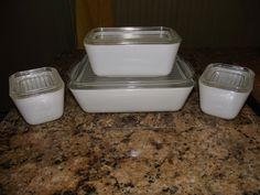 VINGTAGE PYREX !!VERY RARE ONLY MADE IN 1954!! 4 PC REFRIGERATOR SET HTF...WHITE