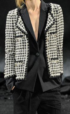 But the Chanel double jackets are truly special, totally drool-worthy. Re-creating the look is an interesting idea! For it to work for me, I'd need to buy a one size smaller, well tailored jacket, perhaps unlined (not a White Fashion, Look Fashion, Fashion Details, Fashion Trends, Dress Fashion, Fashion Ideas, Style Work, Mode Style, Channel Jacket