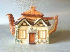 Cottage ware teapot by Keele Street by Recycleddreamsatsilk