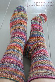 Wool Socks, Knitting Socks, Fine Motor Activities For Kids, How To Purl Knit, Knee Socks, All The Colors, Knitting Patterns, Knitting Ideas, Lana