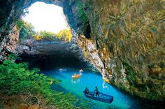 Google Image Result for http://www.agni.gr/uploaded_pictures/Kefalonia_Travel_Guide/Lakes_And_Caves/The_Cave_of_Melissani/melisani%2520lk.jpg