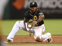 Josh Harrison makes a play at 3rd.