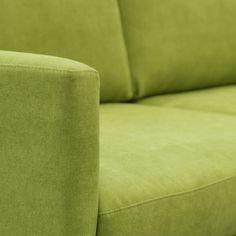 TEHDÄÄN HYVIN | HANDMADE QUALITY Työvaihe: Verhoilu | Craft: Upholstery Tuotantolinja: Sohvat | Production line: Sofas  #pohjanmaan #pohjanmaankaluste #käsintehty