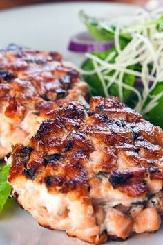 Southern Fried Salmon Patties ~ One of my favorite fish recipes. Fish Recipes, Seafood Recipes, Cooking Recipes, Canned Salmon Recipes, Recipes Dinner, Canned Salmon Cakes, Leftover Salmon Recipes, Recipies, Fish Dishes