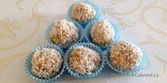 Připravte si na Vánoce originální kuličky z ovesných vloček. Jemnou chuť si každý zamiluje a budou je jíst i ti, kdo nemají vločky moc rádi. Vločkové kuličky chutnají skvěle. Krispie Treats, Rice Krispies, Starbucks, Muffin, Breakfast, Desserts, Food, Morning Coffee, Tailgate Desserts