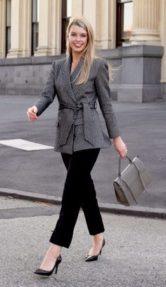 40 Trending Work Outfits To Wear This Fall - Wass Sell Fall Outfits For Work, Winter Outfits Women, Fall Fashion Trends, Autumn Fashion, Mom Fashion, Fashion Ideas, Classy Business Outfits, Business Fashion, Winter Office Wear