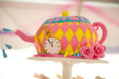 An {Alice in Wonderland} 1st Birthday Party from @AndiDiamondPhotography