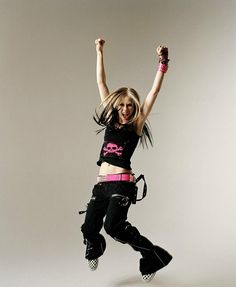 Avril Lavigne will always be my favorite. She's the reason why i got so obsessed with skulls.