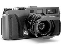 Hasselblad X-Pan film camera, al parecer la Leica ya tendrá competencia. Old Cameras, Vintage Cameras, Photography Gear, Photography Equipment, Leica M10, Dslr Camera Reviews, Best Dslr, Medium Format Camera, Classic Camera