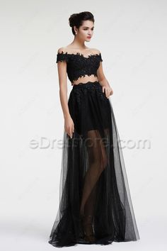 The two piece prom dress features off the shoulder neckline, see through lace top, tulle skirt with floor length, scalloped waistline, sparkly hand beadings.