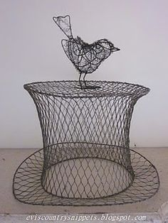 Chicken wire top hat