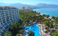 Puerto Vallarta Vacations - Fiesta Americana Puerto Vallarta - All-Inclusive and Spa - With a recent renovation, the Fiesta Americana is one of Puerto Vallarta`s top resorts for vacationing families, leisure travelers and groups.