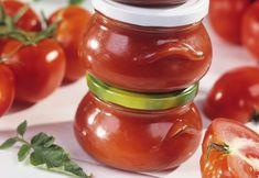 Pastă de roşii şi ardei | Click! Pofta Buna! Pickling Cucumbers, Romanian Food, Food Hacks, Food Tips, Ketchup, Celery, Preserves, Pickles, Dips