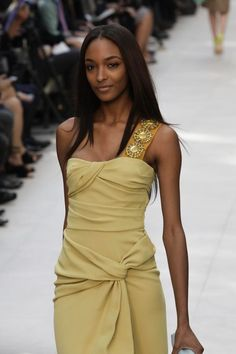 Burberry Prorsum #LFW #Fashion #RTW #SS14 http://nwf.sh/149YheB