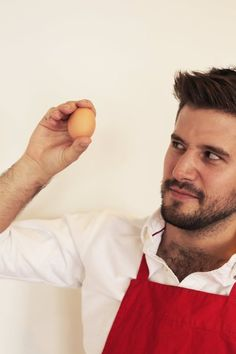 Is It Truly Impossible to Break an Egg in Your Hand? — Putting Tips to the Test in the Kitchen