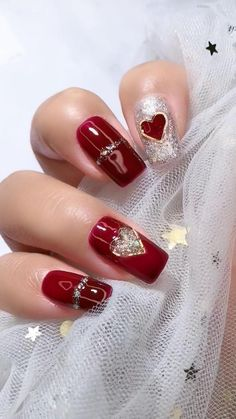 14 Sweet Valentine& Day nail designs for you 2020 14 Sweet Valentine& Day nail designs . - 14 Sweet Valentine& Day nail designs for you 2020 14 Sweet Valentine& Day nail designs - Valentine's Day Nail Designs, Nail Art Designs Videos, Nail Art Videos, Fancy Nails, Red Nails, Cute Nails, Pretty Nails, Gorgeous Nails, Pink Gel