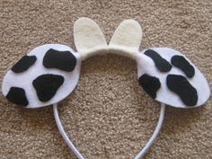 Ashley's Craft Corner: Animal Ears Headbands - cow could alter a bit to make into a Goat Christmas Pageant, Christmas Program, Christmas Concert, Christmas Costumes, Christmas Plays, Nativity Costumes, Diy Costumes, Cow Diy Costume, Diy Headband