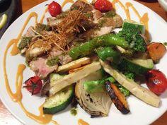 大阪産料理 空さんでグリルチキンにバジルソース