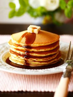 【ELLE a table】standard pancake recipe from Elle online Gourmet Cooking, Gourmet Recipes, Cooking Recipes, Eat Breakfast, Breakfast Recipes, Tumblr Food, Aesthetic Food, A Table, Food To Make