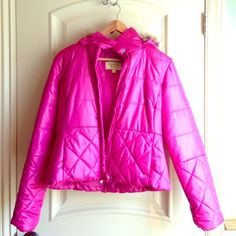 Maralyn & Me puff jacket Pink puff jacket with detachable hoodie. Jackets & Coats Puffers