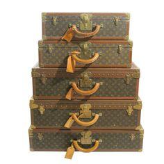 Vintage Louis Vuitton luggage – The good old days Louis Vuitton Trunk, Vintage Louis Vuitton Luggage, Louis Vuitton Suitcase, Louis Vuitton Handbags, Louis Vuitton Monogram, Vintage Trunks, Vintage Suitcases, Vintage Luggage, Vintage Interiors