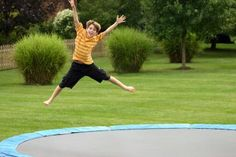 Trampoline Exercises For Weight Loss | LIVESTRONG.COM