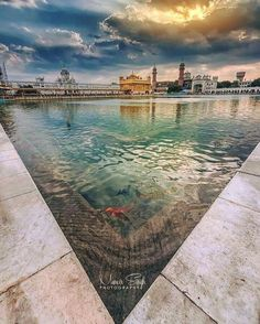 Sunrise in Heaven ! Morning Prayer Quotes, Morning Prayers, Sikh Quotes, Punjabi Quotes, Baba Deep Singh Ji, Guru Granth Sahib Quotes, Harmandir Sahib, Golden Temple Amritsar, Dev Ji