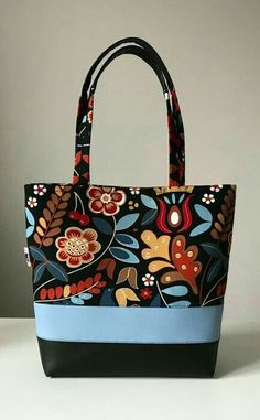 17 216 KB) - Purses Bags and so - Bolsas Patchwork Bags, Quilted Bag, Bag Quilt, Fabric Tote Bags, Sew Bags, Handmade Purses, Handmade Fabric Bags, Best Purses, Bag Patterns To Sew