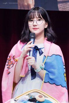 I have fallen in love with Eunha Kpop Girl Groups, Korean Girl Groups, Kpop Girls, K Pop, Ulzzang Hair, Gfriend Yuju, Jung Eun Bi, G Friend, Girl Short Hair