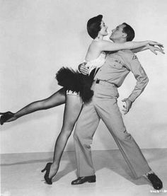 gene kelly dancing with cyd charisse