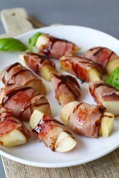 Peach snacks with serrano ham and balsamic vinegar – Recipes Peach Appetizer, Healthy Snacks, Healthy Recipes, Fruit Snacks, Good Food, Yummy Food, Snacks Für Party, Birthday Snacks, High Tea