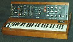 Minimoog - Stereo Lab