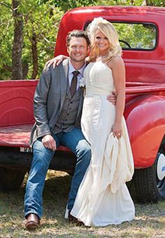 old trucks, country weddings, celebrity brides, blake shelton, celebrity couples, wedding photos, groom, miranda lambert, country couples