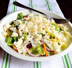 Zdravý, rýchly a chutný šalát s našou slovenskou bryndzou! :) Niet čo dodať. Jednoducho výborný. Potato Salad, Cabbage, Healthy Eating, Potatoes, Vegetables, Ethnic Recipes, Food, Eating Healthy, Healthy Nutrition