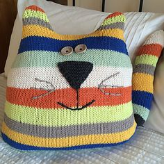Cat Cushion - this project can be knitted in any weight yarn, the finished size will vary according to yarn used.