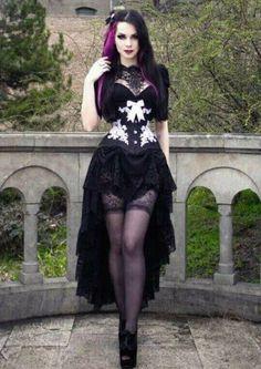 Gothic Girls - Visit www. Gothic Girls, Punk Girls, Hot Goth Girls, Goth Beauty, Dark Beauty, Gothic Outfits, Gothic Dress, Dark Fashion, Gothic Fashion