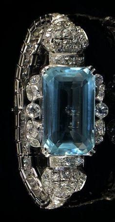 Glamorous Art Deco 31.75Ct natural no heat aquamarine 10.00Ct old European cut diamond bracelet.