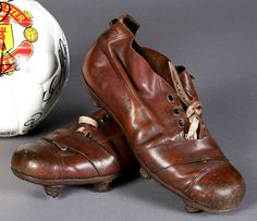 Under the impression that mass advertising of football boots is a relatively new phenomenon? Old Football Boots, Soccer Boots, Football Shoes, Football Cleats, Girl Football Player, Football Players, Carlos Martinez, Snowboard Girl, Sports Footwear