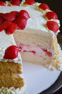 Strawberry, Mascarpone Layer Cake - - this recipe makes WONDERFUL birthday cake/cupcakes (without strawberries, etc. It's a moist cake that has a wonderful dense and tender texture. Cupcakes, Cupcake Cakes, Poke Cakes, 2 Layer Cakes, Sweet Recipes, Cake Recipes, Dessert Recipes, Decors Pate A Sucre, Kolaci I Torte