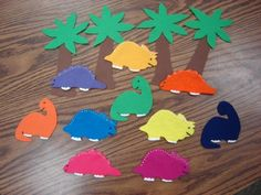 10 little dinosaurs felt board song. There are also lots of other really cute themes/ templates felt boards are cool I want one Dinosaurs Preschool, Dinosaur Activities, Dinosaur Crafts, Preschool Songs, Preschool Themes, Toddler Activities, Preschool Activities, Dinosaur Songs, Flannel Board Stories