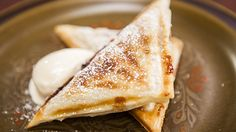 Recipe from Everyday Gourmet with Justine Schofield Hot Apple Pie Jaffle Gourmet Recipes, Sweet Recipes, Dessert Recipes, Cooking Recipes, Fruit Recipes, Apple Desserts, Delicious Desserts, Sweet Desserts, Sandwich Maker Recipes