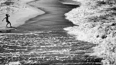 La vague © Hervé Durand http://loeildelaphotographie.com/en/2017/08/28/article/159962804/your-holidays-pictures-herve-durand/